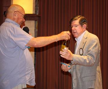 Roy Thylin wins a bottle of wine